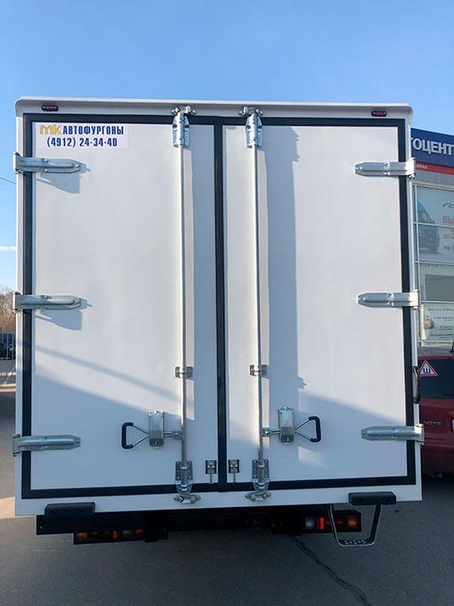 Выдали клиенту фургон изотермический 4м на базе Газель бизнес ГАЗ-330202.